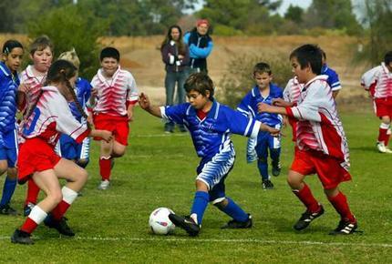 soccer_strugg_wideweb__430x290